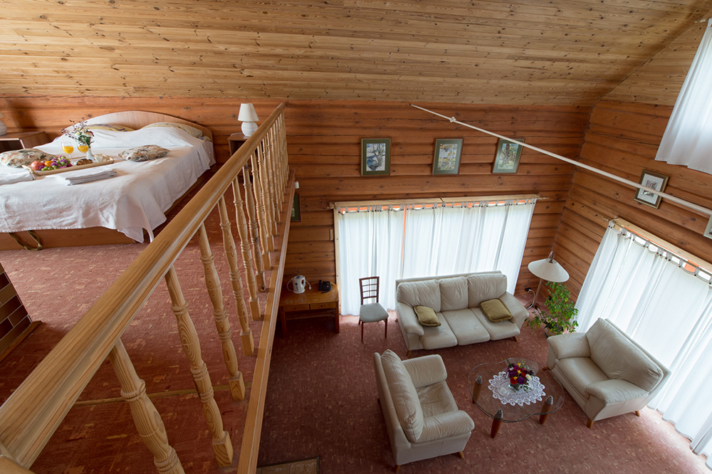 Jacuzzi Interior.Aerodream House With Jacuzzi